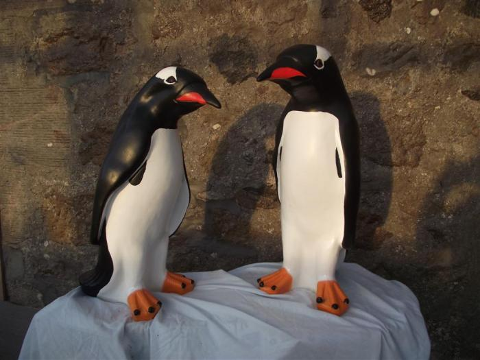 Gentoo Model Penguin Statues