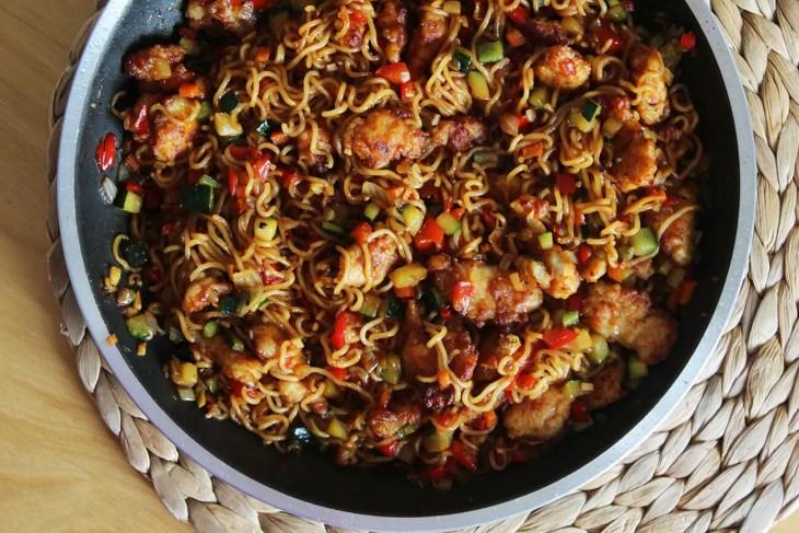 Fideos chinos fritos con pollo receta