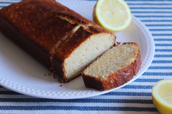 How to make yogurt pound cake with lemon