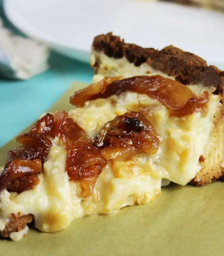 tarta con crema pastelera y manzana