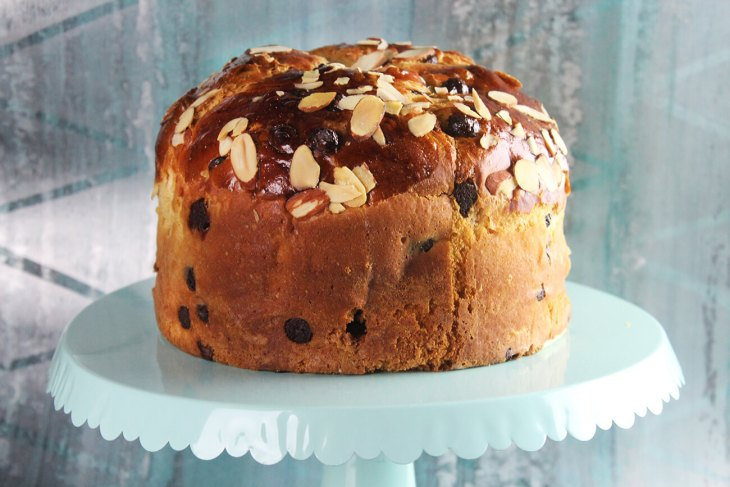 How to make a chocolate chip panettone