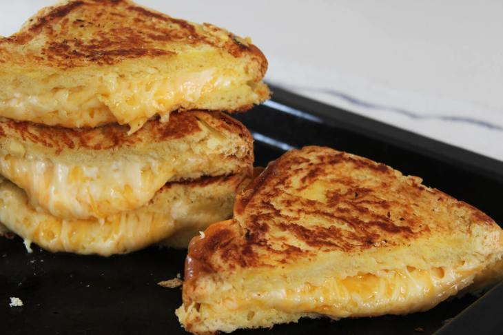 receta de sándwich de queso fundido