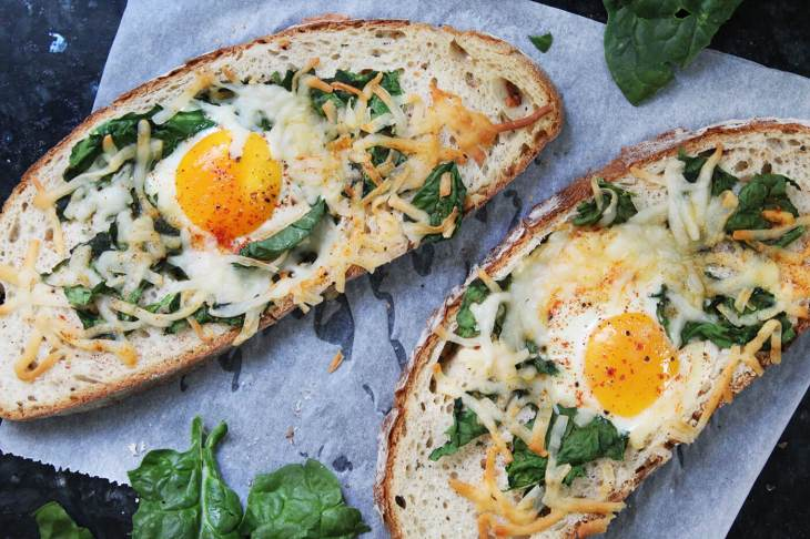 Huevo en canasta