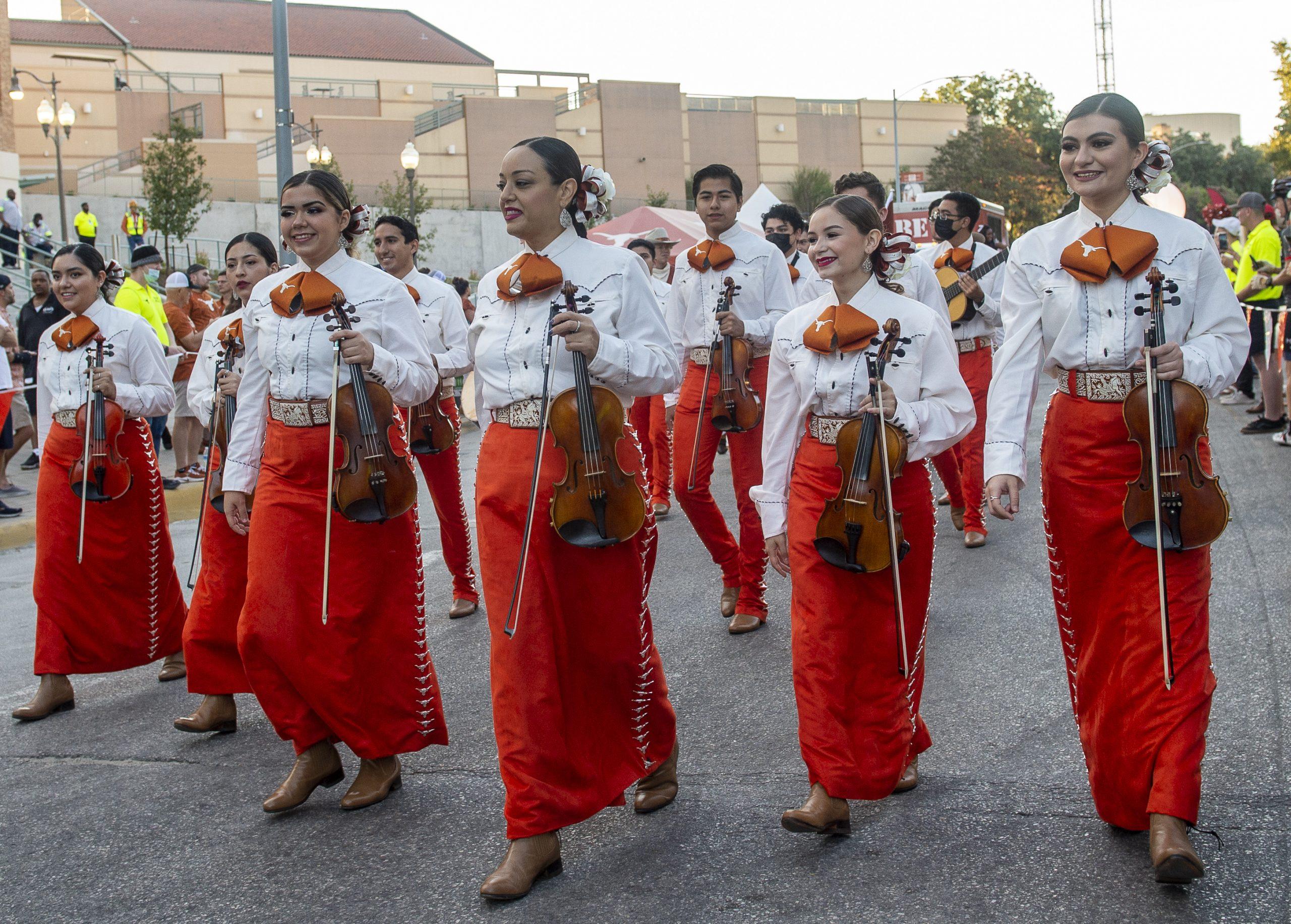 Mariachi Paredes de la Universidad de Texas