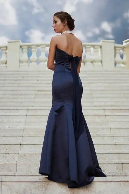 Mujer vestida de azul, sueño