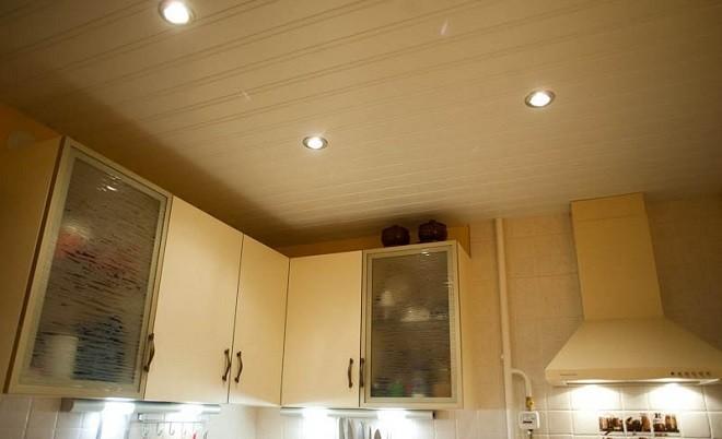 soffitto di plastica in cucina - film termico