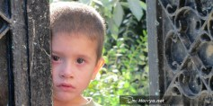 أطفال ريف حمص ضحايا في أتون الحرب وآلام لا يمحوها الزمن