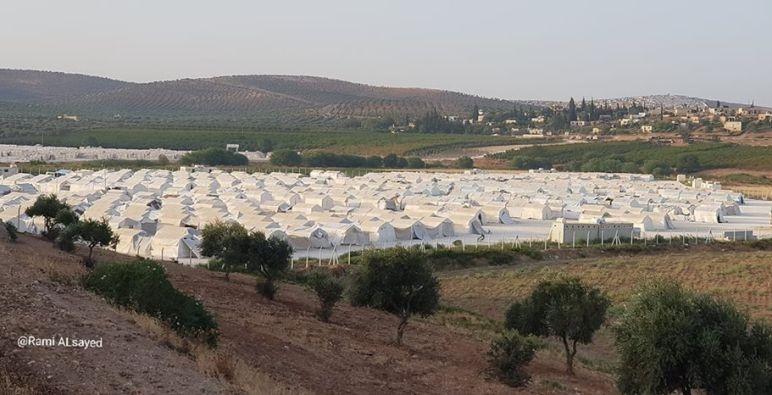قوة أمنية تداهم مخيم ''دير بلوط'' شمالي حلب وسط احتجاج الأهالي