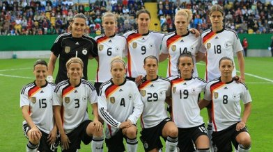 womens-team-photo
