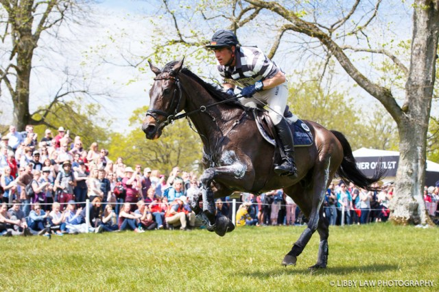 Andreas Ostholt on So Is Et, had a life at the Vicarage Vee but recovered well and is second place. (Image Libby Law Photography)
