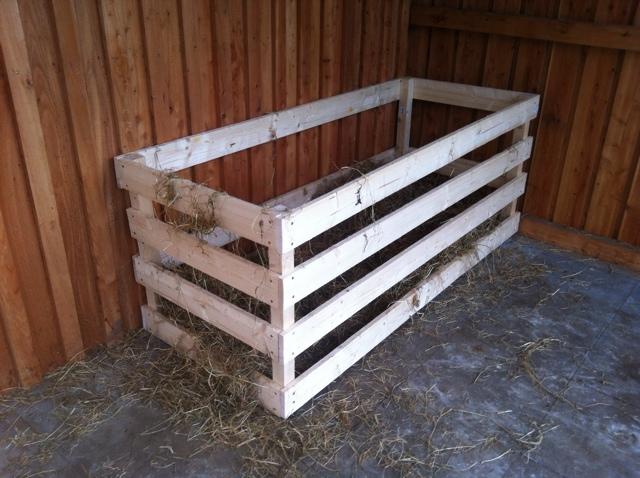 Aus Welchem Holz Werden Bögen Gebaut : oh du sch ner offenstall die perfekte heuraufe horse ~ Lizthompson.info Haus und Dekorationen