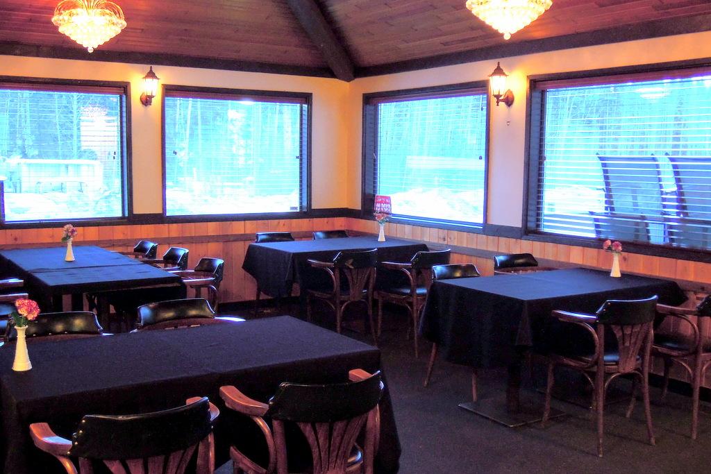 Horsefly BC Food & Restaurants: The Anvil Pub