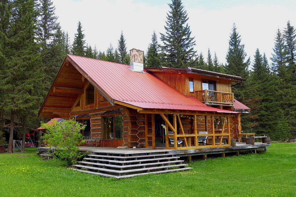 sold pioneer log home with 24 acres on horsefly river. Black Bedroom Furniture Sets. Home Design Ideas