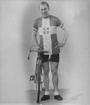 Chr. Pedersen (1) 1944 - i sin DM-trøje. Kehlet-foto.JPG