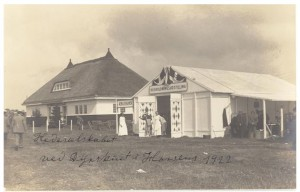 Dyrskuepladsen i Horsens med Hedeselskabet og husholdningsudstillingens pavillon.