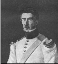 Kammerherre og generalmajor, Jens Carl baron Krag-Juel-Vind-Arenfeldt. Maleriet findes ophængt i foyeren på Horsens Museum.