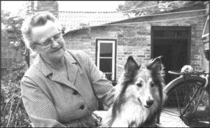 Enkefru Viola Skovsbøl, der sammen med 8 børn drev centralen..
