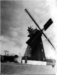 Møllen på Tværvej, der blev nedrevet i 1942