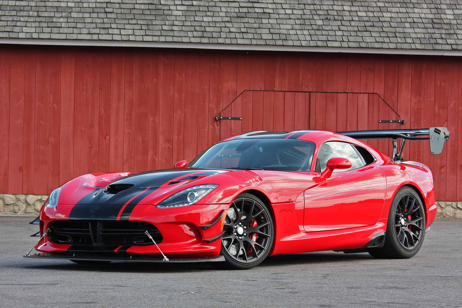 the 2016 dodge viper acr is here and it s downright intimidating 03 2016 dodge viper acr fd 1