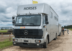 Horse Trailer Weights by the Numbers (63 Types & Models)