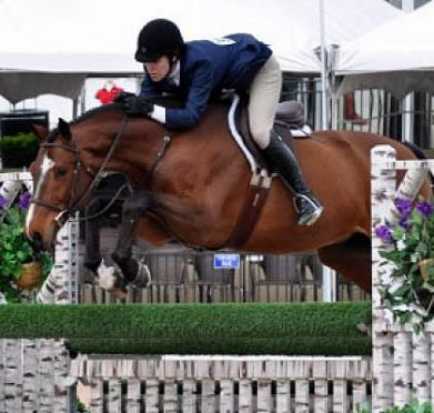 Katie Robinson Claims A-O Hunter Championship for World Champion Hunter Rider Week
