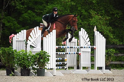 Lillie Keenan Rides to Top of $5,000 Equitation Classic