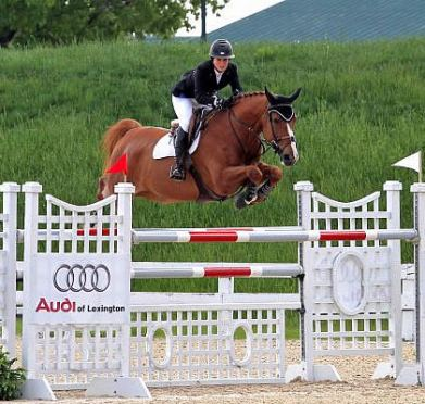Meagan Nusz and Dynamo Master $75,000 Commonwealth Grand Prix at Kentucky Spring Horse Show