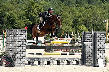 Cory Hardy and Camelot 105 Clinch First Big Win in $10,000 Marimekko Welcome Stake