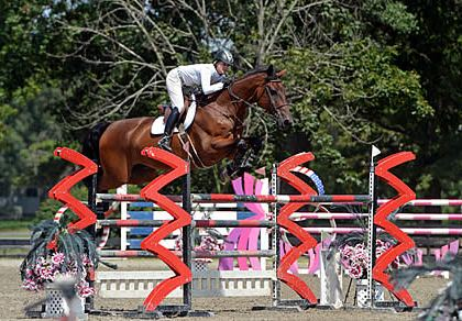Tracy Fenney Picks Up Zoetis Million Momentum with a Win in $40,000 HITS Grand Prix