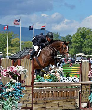Jimmy Torano Jumps to the Top of the Diamond Mills $500,000 Hunter Prix Final