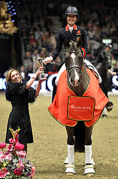 Dujardin and Valegro Smash Freestyle World Record to Win Reem Acra Leg in London