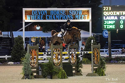Laura Chapot Kicks Off Open Jumpers with Back to Back Wins at Devon Horse Show