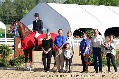Christopher Payne Leads Hallway Feeds National Hunter Derby Series