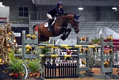 Kaely Tomeu Soars to Victory in 1. 40 Welcome Stake at Southeast Medal Finals