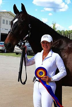 """Elizabeth Campbell Named """"Premier Equestrian"""" at May Day Qualifier One"""
