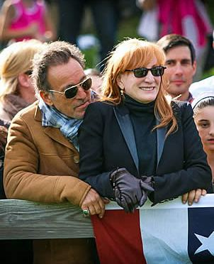 "Patti Scialfa and Bruce Springsteen to Be Honorary Chairs for 2016 Olympic Benefit ""Rockin Rio"""