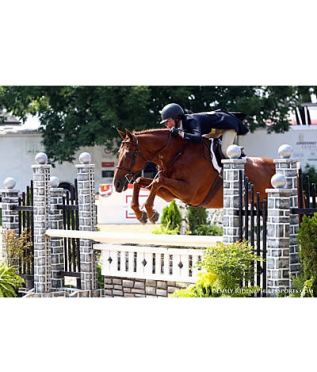 Molly Sewell & EL Raymond Win $5k USHJA Nat'l Hunter Derby at Kentucky Summer Horse Show