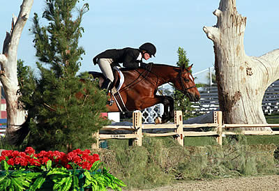 Kelley Farmer Goes 1, 2, 3 in the $100k USHJA International Hunter Derby at HITS Thermal