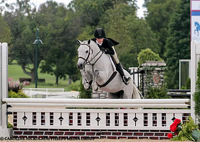 Natalie Jayne Pilots Woodlands Stevie Ray to Second Medium Pony Hunter Championship
