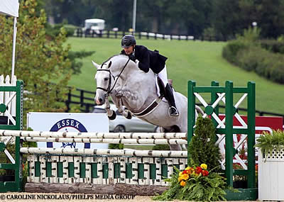 Scott Stewart and Storm Watch Unstoppable in 2016 USHJA Pre-Green Incentive Championship