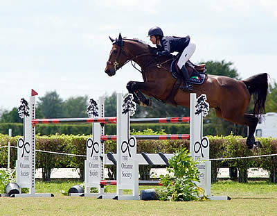 Laura Kraut and Deauville S Capture $15,000 1.40m Turf Tour Grand Prix