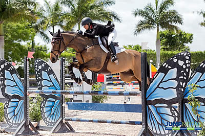 Hailey Berger and Lindsey Tomeu Lead WIHS Children's and Adult Jumper Championship Standings