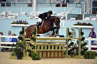 Scott Stewart Defends Devon Grand Hunter Championship with Cameo