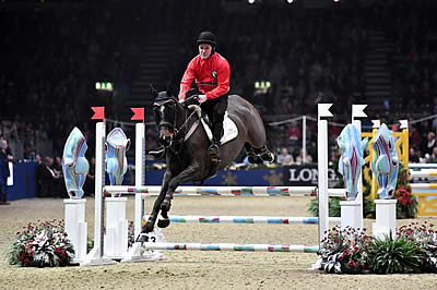 Wins for AP McCoy and Maikel Van der Vleuten on Race Night at Olympia