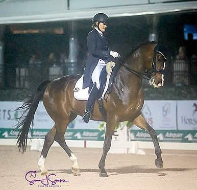 Ashley Holzer Is Untouchable in the Freestyle on Rising Star at AGDF