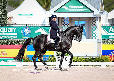 Shelly Francis Is Back on Top with Personal Best Performance in Week 10 at AGDF