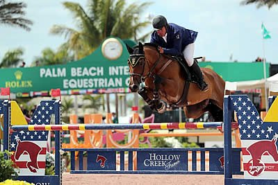 José Roberto Reynoso Dominates First Day of WEF's Final Week
