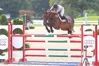 Aaron Vale Continues to Dominate 1.40m Jumpers with Acolina R at Kentucky Summer Classic