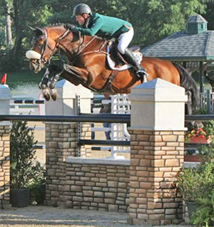 Shane Sweetnam was awarded the Leading Rider Award for his high score of 870 points during the 2012 Hagyard Challenge Series.
