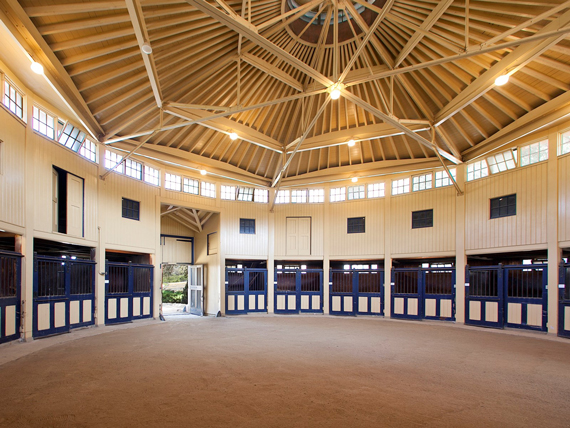 The 10-stall round stable built in 1928. Photo: Sothebyshomes.com/